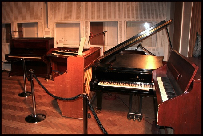 20_pianos